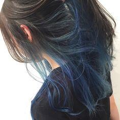 インナーカラー ニュアンスカラー Hair Color Streaks, Hair Dye Colors, Ombre Hair Color, Cool Hair Color, Hair Highlights, Peekaboo Hair Colors, Lip Colors, Hidden Hair Color, Hair Color Underneath