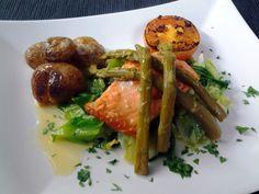 #bar #restaurante #cantanhede #portugal #tempusinlondon #salmão #grelhado #espargos #couve #salteada #azeite #tomate #batata #murro