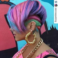 #picoftheday #ArtandFashion #MeanHairStyle #Styleoftheday #Repost @siennaspalding with @repostapp. ・・・ I have a piece of ART on my head. The amazing color by @guy_tang and creative cut by @johnny_spanakos has blown me away! I feel like I can conquer...