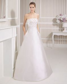 8S179 LOTTO | Wedding Dresses | 2015 Collection | Luna Novias (Shown with side Pockets at skirt)