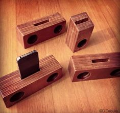 Project: iPhone wood speaker 2013 Wooden Speaker Stands, Wooden Speakers, Woodworking Box, Woodworking Projects, Diy Projects To Try, Wood Projects, Iphone Stand, Tablet, Cell Phone Holder