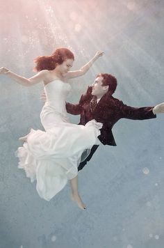 Underwater love. www.gracetheday.com