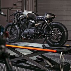 "bike-exif: ""Harley's Battle Of The Kings competition is back, this time focusing on the Iron 883. One of the most exciting builds comes from Belgium, via the dealer Harley-Davidson Namur. There are shades of the Revival Cycles 'Hardley' build in this..."
