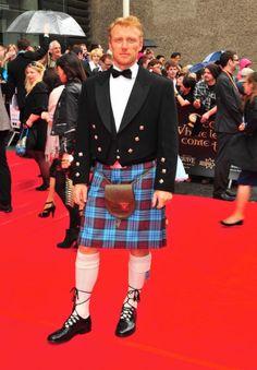 Kevin McKidd always looks good in a kilt