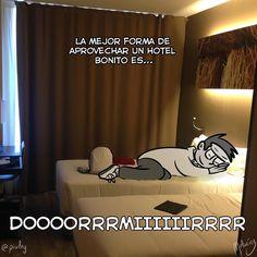 Hoteles : #WebcomicZ 097 : #ClipStudioPaint  #Cintiq  #: #webcomic #comics #comicdiario #dailycomic #comic #tebeo #artistsoninstagram : #DailySketch 827 #blancoynegro #blackandwhite #hotel #cama #dormir #vacaciones #barcelona #saloncomicbcn