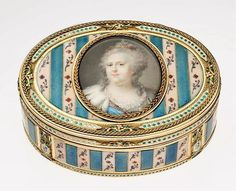 Oval snuff box with miniature of Catherine the Great