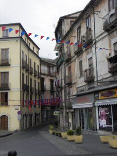 Cosenza - some of the best gelato is to the right !
