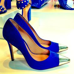 scarpin azul klein