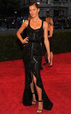 #Gisele in #Givenchy #metgala