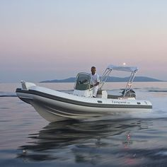 Find out all of the information about the Capelli product: outboard inflatable boat / rigid / side console / max. TEMPEST Contact a supplier or the parent company directly to get a quote or to find out a price or your closest point of sale. Inflatable Boat, Center Console, Eating Healthy, Ribs, Boats, Eat Healthy, Ships, Healthy Food, Healthy Eats