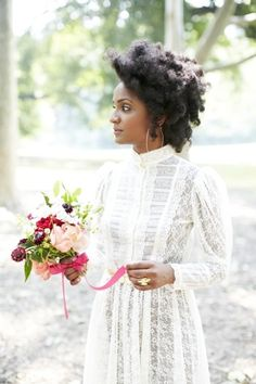 Vintage Hairstyles For Prom 17 Natural Hairstyles for Natural Hair Brides - Munaluchi Bridal Magazine - Wedding hairstyles for natural hair brides. Natural Hair Wedding, Natural Wedding Hairstyles, Bridal Hairstyles, Vintage Hairstyles, Curly Hair Styles, Natural Hair Styles, Twisted Hair, Braided Hair, Wedding Hair Inspiration