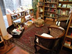 Anglo-American bookshop Paperback Exchange, via delle Oche, Florence