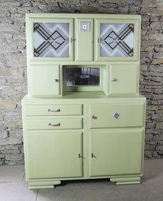 Buffet mado mamie à laplace du meuble blanc, peint dans le colori de la cuisine ?