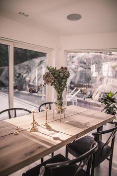 Vart är vårt matbord ifrån? Vad kostar det? - Ellinor Löfgren Diy Dining Room Table, Dining Table Design, Dining Area, Kitchen Interior, Interior Design Living Room, Esstisch Design, Modern Kitchen Design, Scandinavian Interior, Sweet Home