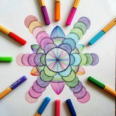 Precision in Geometric Mandala Drawings Sharpie Drawings, Zentangle Drawings, Doodle Patterns, Zentangle Patterns, Art Patterns, Mandala Art Lesson, Mandala Drawing, Art Basics, Geometric Mandala