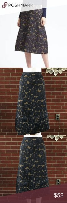 NEW Banana Republic Stitched Floral Midi Skirt Please see photos for all measure! Sorry I do not model/trade!! This item comes from a smoke free, pet friendly home!! No rips, holes or stains to note!! I ship Monday-Friday to ensure quick delivery (orders placed after 7am will not be processed until the following day). Orders placed Saturday/Sunday will not be processed until Monday morning :)! Thanks for shopping my closet! Z18 Banana Republic Skirts Midi