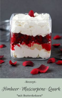 Raspberry-Mascarpone-Quark - The inspiring life - Dessert Recipes Mini Desserts, Desserts In A Glass, Layered Desserts, Fall Desserts, Quark Recipes, Ice Cream Recipes, Cheese Recipes, Dessert Sans Gluten, Bon Dessert