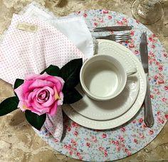 Mais uma linda opção para encantar sua mesa Sousplat (em mdf) com capa removivelguardanapos da nossa coleção. Consulte nosEnvio para todo Brasil #queen_table #roupariademesa #sousplatqueentable #tableware #tabledecor #meseirasdobrasil #sousplat #capadesousplat #guardanapo #mesaposta #instadecor #instahome #mesaposta #homedecor #balneariocamboriu #curitiba #floripa #itajai #blumenau #brusque #sp #rj #sc #navegantes #itapema#meseirasassumidas