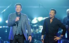 Blake Shelton and Lionel Richie at the 2012 ACM Awards