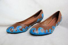 Vlnky žblnky from www. Painted Shoes, Flats, Fashion, Loafers & Slip Ons, Moda, Fashion Styles, Flat Shoes, Ballet Flats, Fashion Illustrations