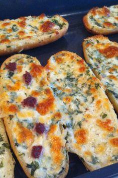 Sarımsaklı Ekmek Tarifi #sarımsaklıekmek #ekmektarifleri #nefisyemektarifleri #yemektarifleri #tarifsunum #lezzetlitarifler #lezzet #sunum #sunumönemlidir #tarif #yemek #food #yummy