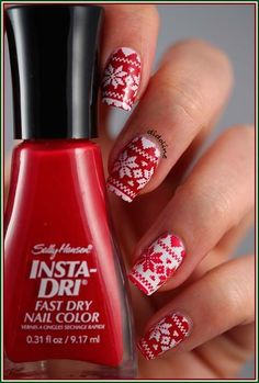 101 Cute Christmas Nail Designs for the Festive Season christmas nail art designs Cute Christmas Nails, Xmas Nails, Holiday Nails, White Christmas, Christmas Night, Christmas 2017, Beautiful Christmas, White Nails, Red Nails