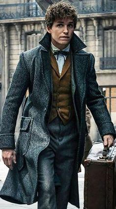 #FantasticBeastTheCrimesOfGrindelwald Newt Scamander Coat
