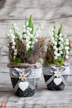 Artificial Flowers & Plants - Spring Arrangement Lilies of the valley set of 2 - a unique product by Rotkopf-design by DaWanda - Leanna Toothaker Artificial Flowers And Plants, Lily Of The Valley, Flower Bouquet Wedding, Spring Crafts, Easter Crafts, Flower Pots, Floral Arrangements, Floral Design, Creations