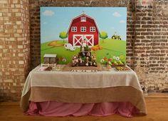 A todos los niños les encantan los animales de granja, cerditos, gallinas, caballos... y como no los ¡tractores!. Todo esto vuelve locos a los pequeños de la c