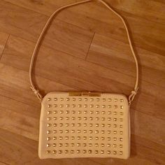 Zara nude and gold purse Zara nude and gold crossbody or clutch, removable strap Zara Bags Shoulder Bags