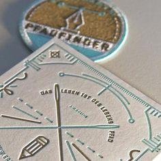 Hier noch ein Schnappschuss vom Pfadfinder Aufnäher mit Gestaltung von Dirk Uhlenbrock #letterpresslove #letterpress #letterjazz #letterpressprinting #lettering #patch #printmaking #graphicdesign #pathfinder #pfadfinder