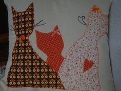 Capas para almofada divertida, feita em algodão cru, tamanho 40x40cm R$ 80,00