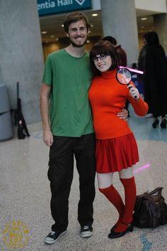 DIY Scooby Doo Shaggy & Velma Halloween Couple Costume Idea