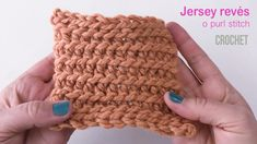 Punto tejido a crochet imitación punto jersey revés del tejido a dos agujas. Knitting For BeginnersKnitting HumorCrochet PatternsCrochet Bag Tunisian Crochet, Diy Crochet, Crochet Crafts, Crochet Projects, Crochet Stitches Patterns, Knitting Patterns, Crochet Videos, Crochet For Beginners, Crochet Flowers