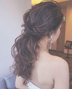 WEBSTA @ ceu0116 - ..大人なかきあげた前髪に、.ポニーが可愛かった♡ .. .サバサバしてて、気持ちのいい女性♡ .大好きな花嫁がまた増えました♡ . .#結婚式#美容師#髪型#ブライダル#ヘアアレンジ#ヘアアクセ#ヘアセット#プレ花嫁#フレンチブルドッグ#結婚#ハンドメイド#花嫁#photo#イヤリング#instapic #instadaily #photography #ヘアメイク#ウェディング#ヘアスタイル#オシャレ#写真#fasion#love#ig_japan#hairstyles#bridal#weddinghair#bridalhair#hairarrange