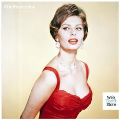 As one of the most iconic Hollywood stars of all time, Sophia Loren is now 81 years old and still going strong!  She's an undeniable beauty - but what has really made her stand out is her sense of self-esteem and confidence. If there's one thing we can learn from Sophia, it's to believe in ourselves and our own personal beauty!