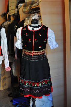 #tradition #costumes #CreativeEastSlovakia #Prešov #Elmira #Slovakia #Art #Craft Costumes, Traditional, Craft, Creative, Tops, Women, Fashion, Moda, Dress Up Clothes