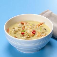 Curry suppe opskrift med rejer, kokosnød og chili - se den her, Chili, Curry Soup, Shrimp Recipes, Baguette, Cheeseburger Chowder, Ramen, Food And Drink, Dinner, Ethnic Recipes
