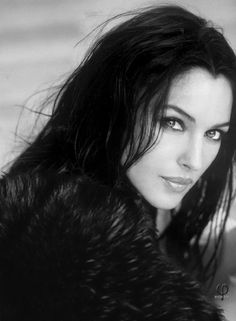 Monica Bellucci Black and White - Fashion Beautiful Italian Women, Most Beautiful Women, Beautiful Dream, Absolutely Gorgeous, Fantasy Model, Italian Actress, Mexican Actress, Chinese Actress, Italian Beauty