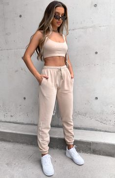 Cute Lazy Outfits, Sporty Outfits, Teen Fashion Outfits, Mode Outfits, Pretty Outfits, Stylish Outfits, Summer Outfits, Girl Outfits, Jogging Style
