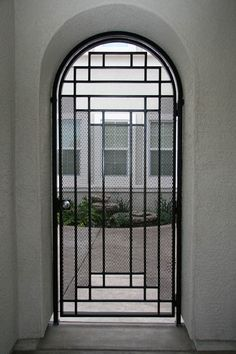 Metal by Phil: Sampling of Artistic Gates & Doors Steel Gate Design, Front Gate Design, Door Design, Metal Garden Gates, Garden Doors, Gates And Railings, Iron Doors, Metal Doors, Front Gates