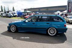 Atlantisblau BMW e36 touring on 18'' BBS RX2 wheels