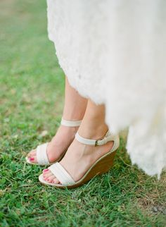 wedges -- perfect for a wedding on the grass! | Lucy O Photo #wedding