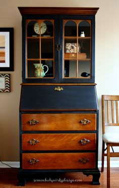 Somewhat Quirky: Secretary Furniture Makeover - I love this black and stain combo. ***Would be a great combo for my secretary desk turned vanity*** Painting Antique Furniture, Refurbished Furniture, Paint Furniture, Repurposed Furniture, Rustic Furniture, Furniture Movers, Outdoor Furniture, Bedroom Furniture, Furniture Stores