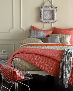 love the color scheme for my living room. Black instead of tan, and maybe throw in a nice shade of blue? love the color scheme for my living room. Coral Bedroom, Dream Bedroom, Master Bedroom, Bedroom Decor, Bedroom Ideas, Bedroom Colors, Basement Guest Rooms, Guest Bedrooms, Coverlet Bedding
