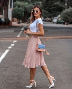 Classy Outfits, Chic Outfits, Trendy Outfits, Summer Outfits, Girly Outfits, Modest Fashion, Skirt Fashion, Fashion Dresses, Pleated Skirt Outfit