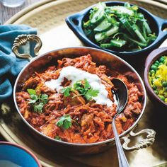 Nadia's healthy Butter Chicken that still has that lovely mild, tomatoey Indian flavour, but is packed with vege and has much less fat. Quick Dinner Recipes, Quick Meals, Weeknight Meals, Cucumber Mint Salad, Cooking Recipes, Healthy Recipes, Weekly Recipes, Healthy Foods, Vegetarian Recipes