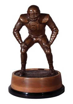 The Butkus Award has been given annually since 1985 to the top linebackers at the high school, collegiate and professional levels of American Football. Named after Dick Butkus. Football Awards, Football And Basketball, Vintage Football, Chicago Bears, American Football, High School, Illinois, University, Top