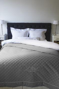 Riviera Maison RM L'Hotel bedspread Anthracite 260x260 #sprei #rivieramaison #passievoorslapen
