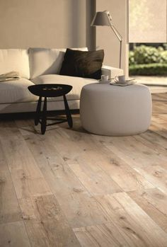 Tiles in wood look - the modern alternative - Fliesen in Holzoptik - Wood Effect Tiles, Wood Tile Floors, Linoleum Flooring, Wood Look Tile, Wooden Flooring, Kitchen Flooring, Sweet Home, New Homes, House Design